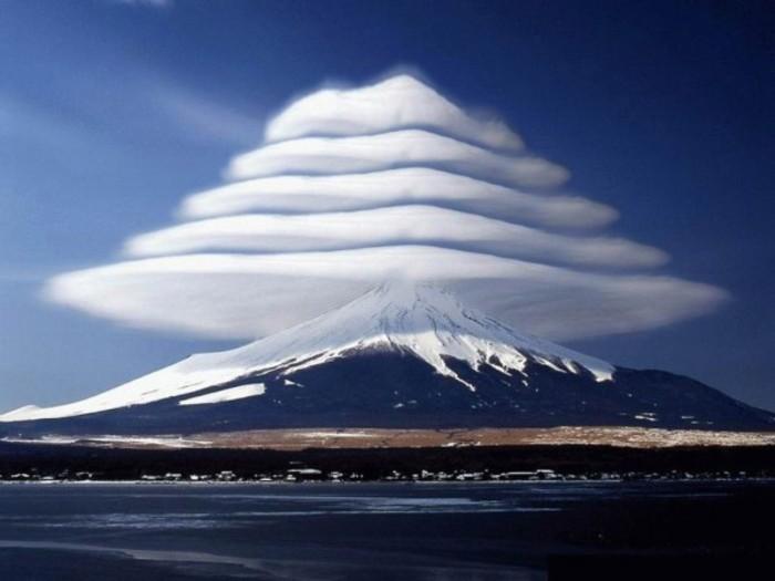 Clouds - Lenticular clouds