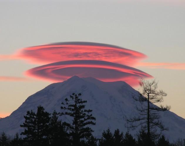 Clouds - Lenticular clouds 3