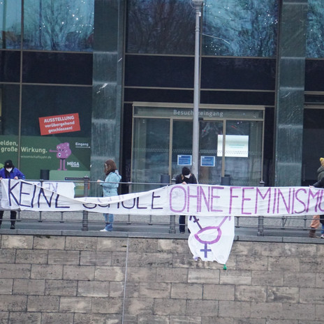 Banner vor dem Bundesministerium