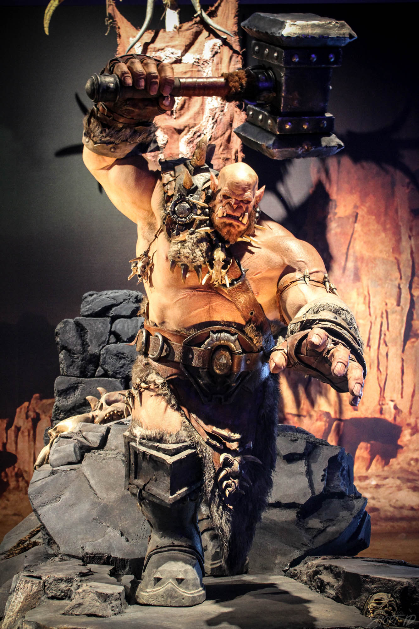 Gamescome 2015 - Statue film Warcraft