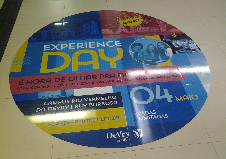 Adesivo de Chão DeVry Brasil
