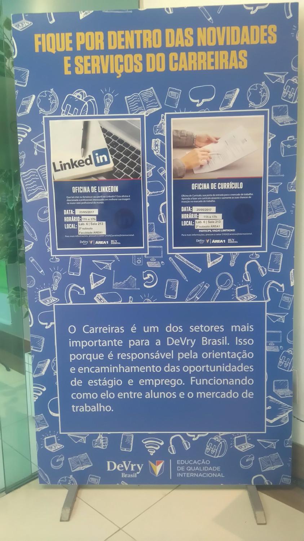 Toten PVC Adesivado DeVry Brasil