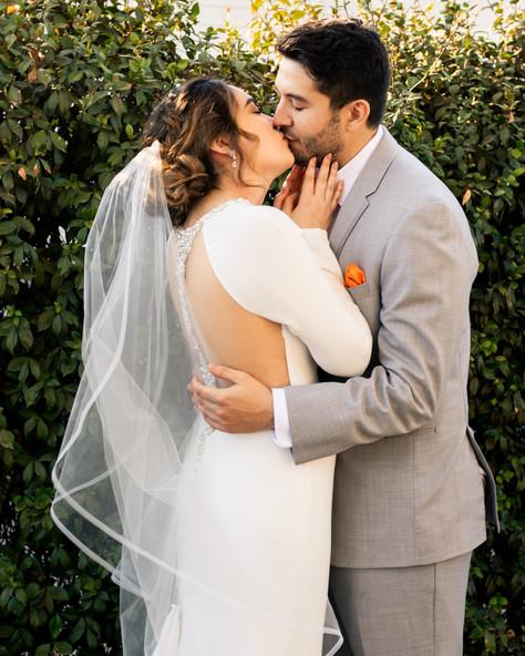 Laura Solis Wedding Teasers-40.jpg