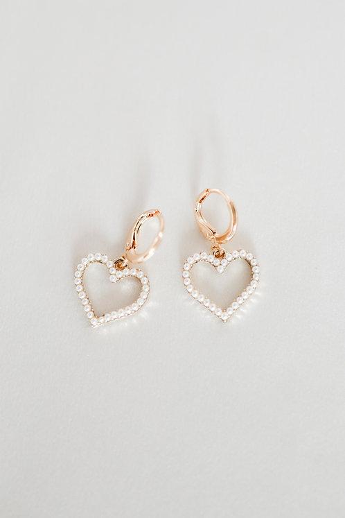 """""""Heart of Pearls"""" Huggies"""