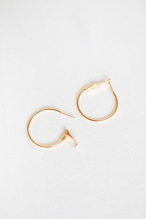 """Everlasting"" Classic Gold Hoop Earrings"