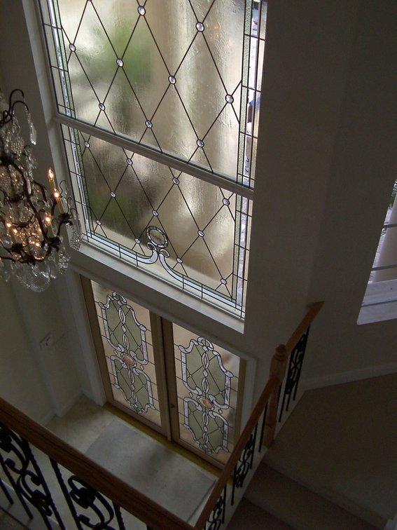 stained-glass-combined-with-beveled-glass-to-creat--UDU2Ny0xNjg3Ni44NTkyOA==