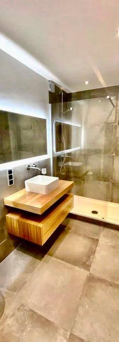 Hometec-referenzen-badezimmer-03.jpg