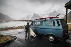 Arctic Surfing, Lofoten, Norwegen