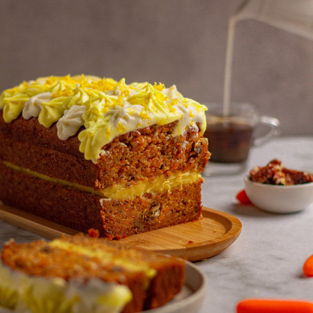 Carrot cake with lemon curd