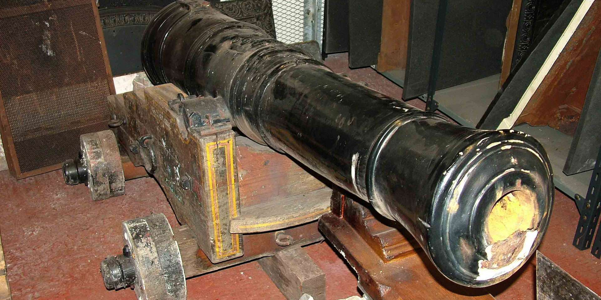 Cannon from HMS Weazle