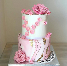 Beauty of this cake..._Designed by _emma
