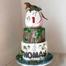 This cake was so much fun for me to make