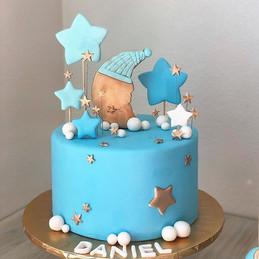 Twinkle Twinkle little star themed cake