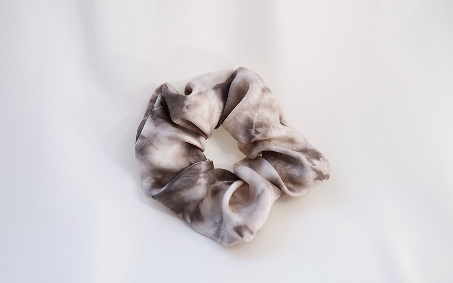 Scrunchie gris tie and dye