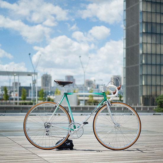 Vélo Pinarello pour les cycles Cadiou