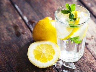 TOP 5 REASONS TO DRINK LEMON WATER!