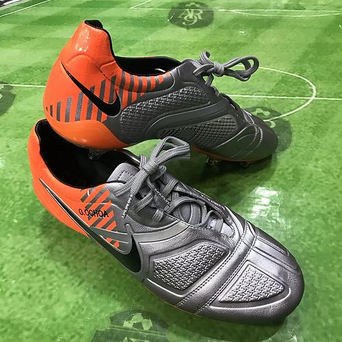 Botines Nike TR 360 Memo Ochoa Talle 9 US