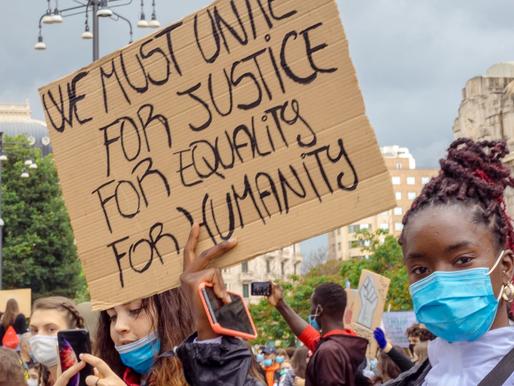 Sui movimenti di sviluppo | La questione razziale in risposta a Mattia Carbone