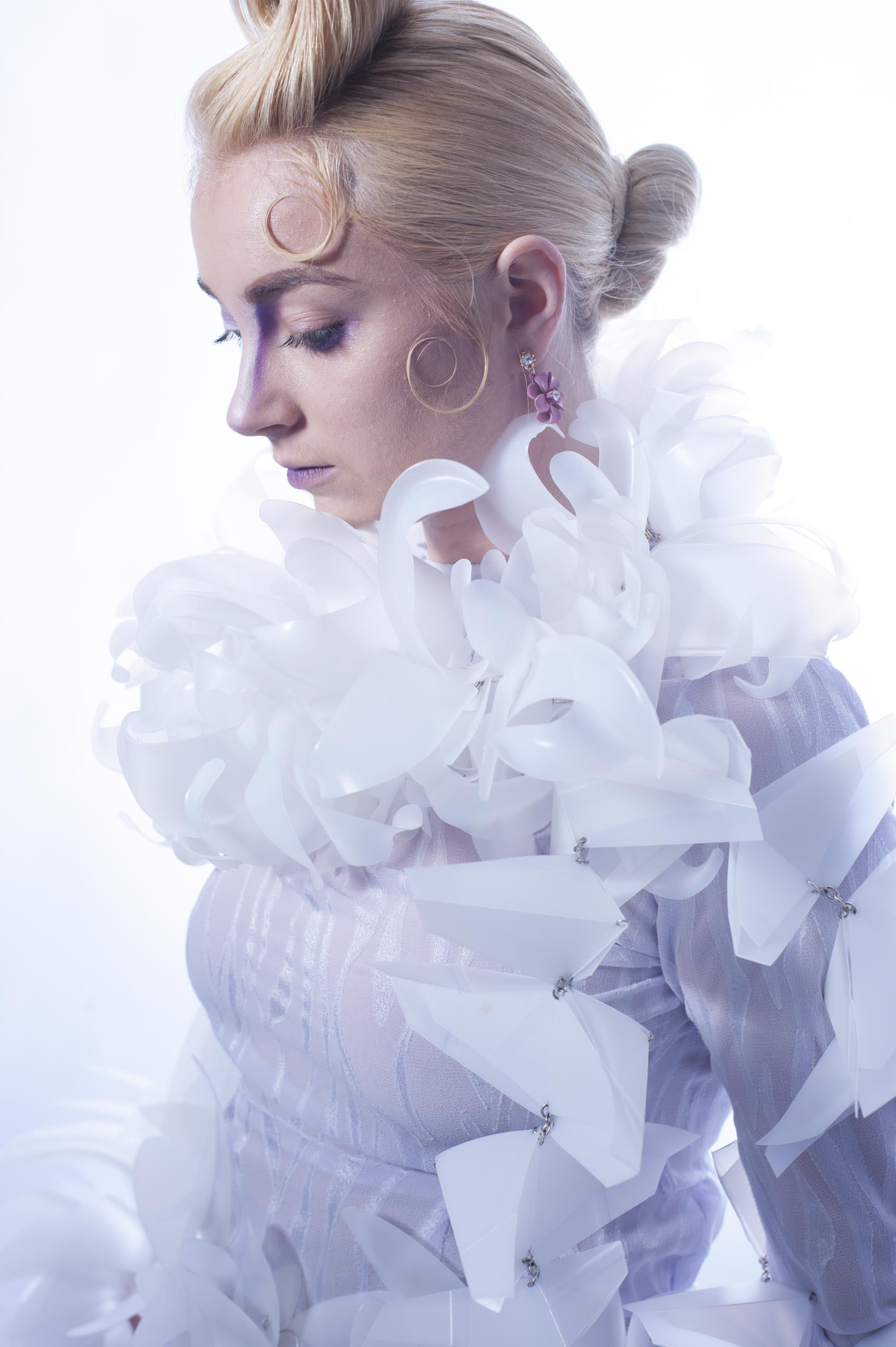 Model Lindsay Edgecomb