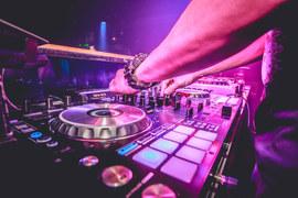 DJ Sebbl - Clubbing
