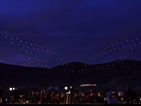 Euforia Drone Membentuk Formasi Aerial Spektakuler