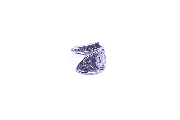 (MASSACHUSETTS) Spoon ring.