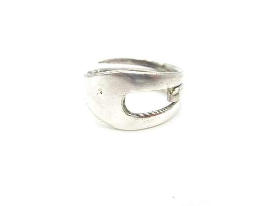 Fork ring.