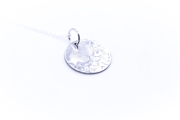 (Spider web) Spoon bowl necklace.