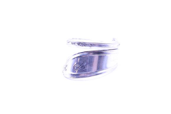 (RIBBON) Spoon ring.