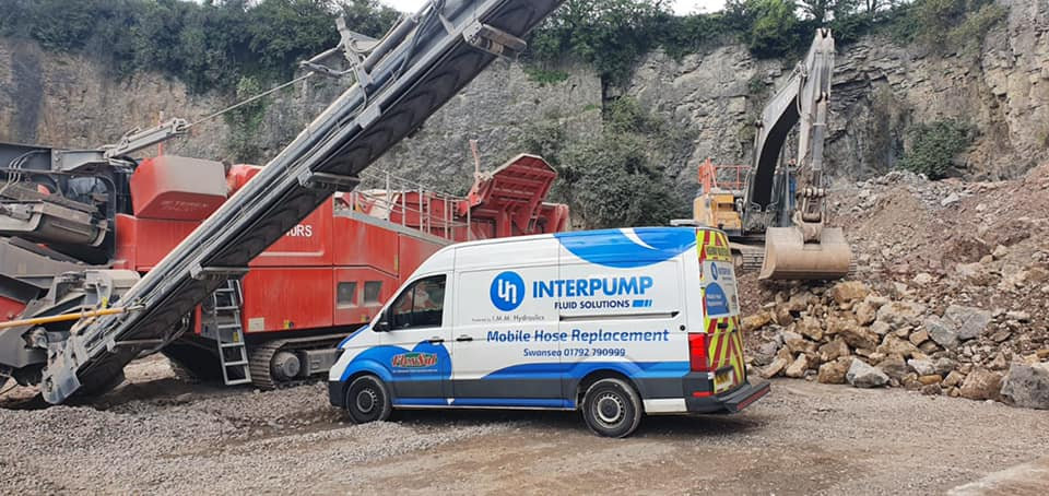 Interpump support vehicle on site with heavy plant machinery