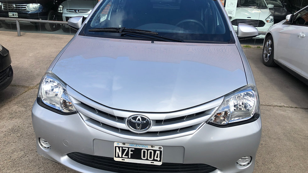 Toyota Etios XS 1.5 5P