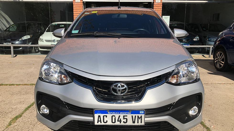 Toyota Etios Platinum AT 5P