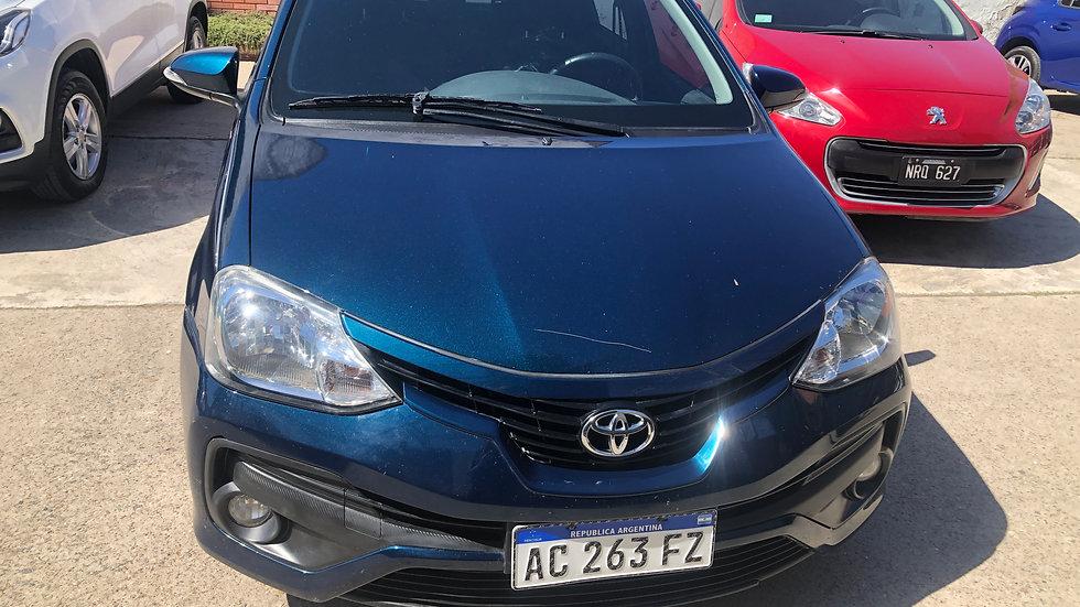 Toyota Etios XLS 1.5 MT