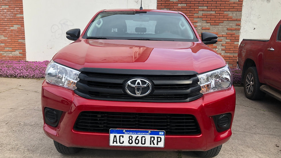 Toyota Hilux DX 2.4 CD 4X4