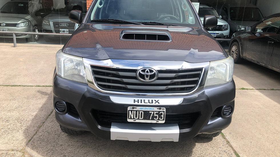 Toyota Hilux SR CD 3.0TDI 4X4