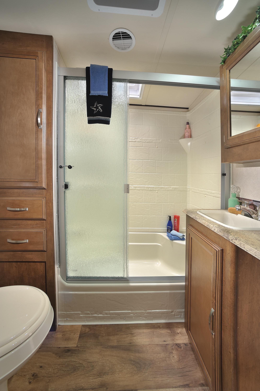 Heritage_Glen_346RK_bathroom