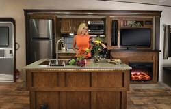 Heritage_Glen_368RLBHK_kitchen_&_entertainment_with_model