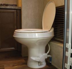 Villa-Toilet