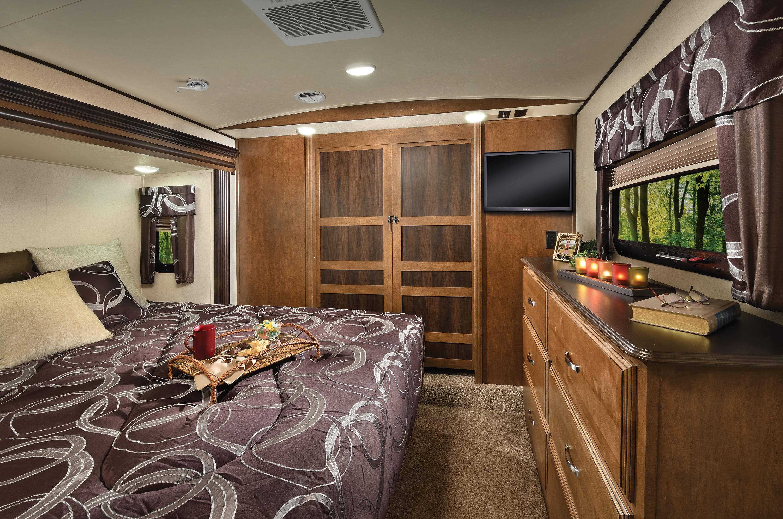 Heritage_Glen_368RLBHK_bedroom