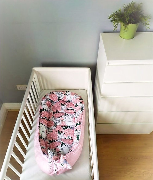 JUKKI PARROTS AND ROSES - Baby Nest