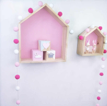 Felt Ball Garland - white/pink shades