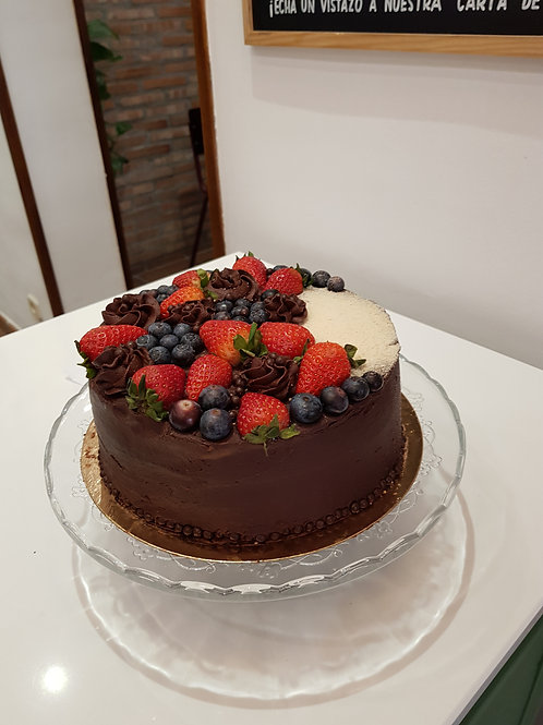 Double Layer Chocolate Berry Cake