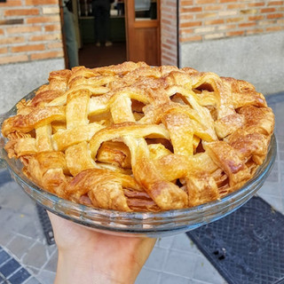 Homemade Apple Pie (24€)