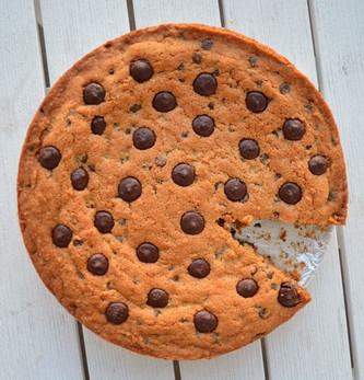 Giant Chocolate Chip Cookie