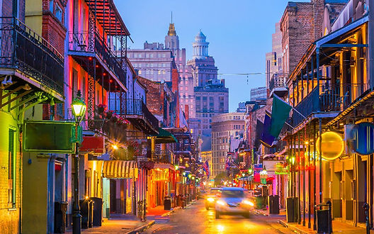 New Orleans offers a unique experience in every season, from the endless Mardi Gras festivities of spring to the relatively quiet fall months.