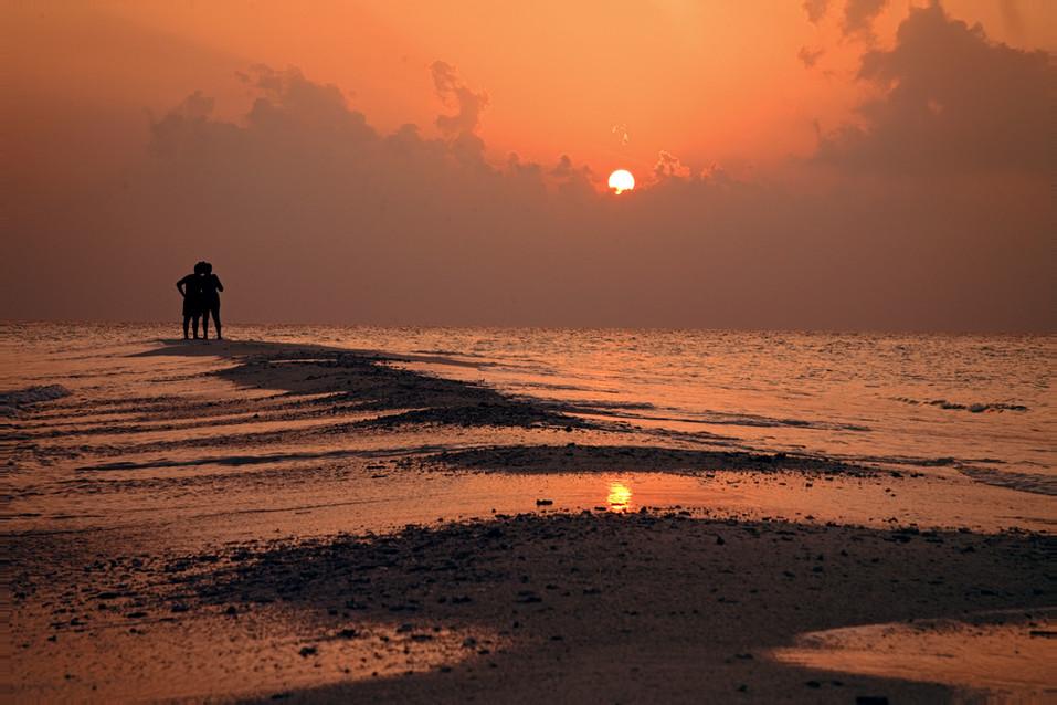 Nakai Resort Sunset Dhiggiri