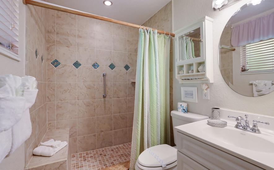 Frangipani Villa master bath with tile