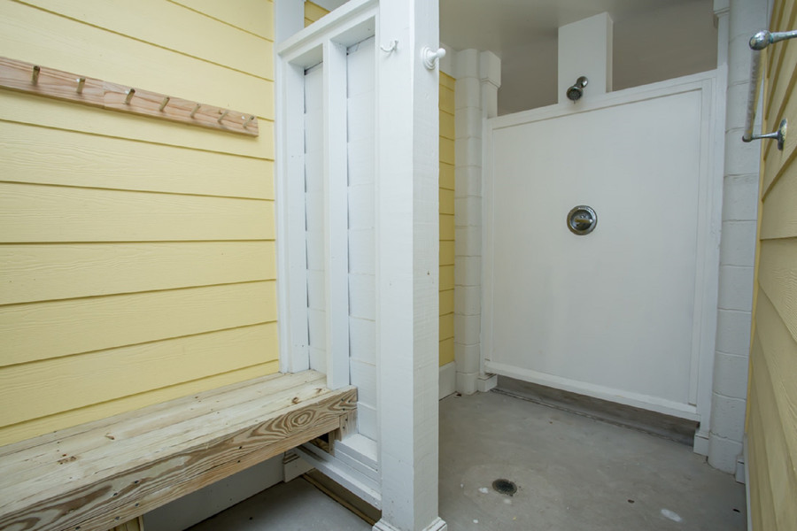 TM2 Enclosed Heated Shower