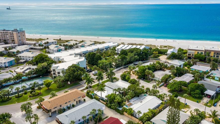 Island Garden Villas easy path to beach