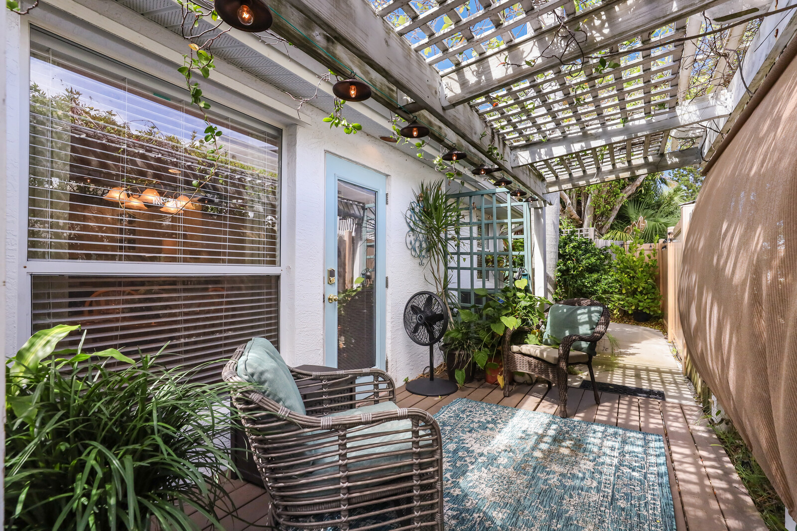 Hibiscus villa private patio